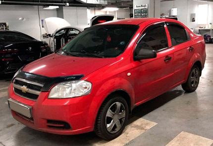 Замена магнитолы, фронтальной и тыловой акустики, установка камеры заднего вида в автомобиле Chevrolet Aveo T250