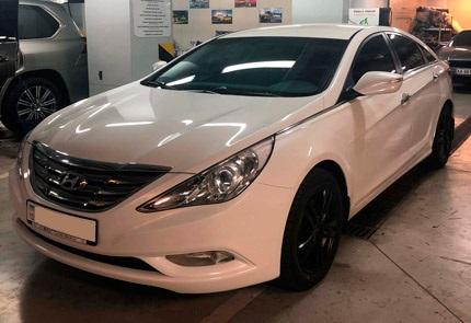 Установка штатной магнитолы, камеры заднего вида и видеорегистратора на автомобиль Hyundai Sonata YF