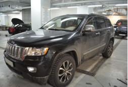 Установка штатной магнитолы, камеры заднего вида и видеорегистратора на автомобиль Jeep Grand Cherokee 2012