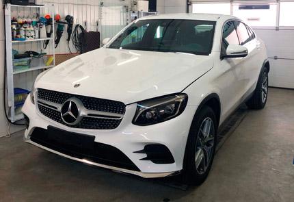 Установка видеорегистратора на 2 камеры в автомобиль Mercedes-Benz GLC