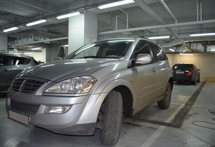 Замена штатной магнитолы на мультимедийную в автомобиле SsangYong Kyron 2012